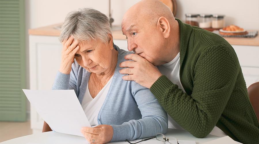 Couple qui cumule beaucoup de crédit et qui souhaite effectuer une restructuration à l'aide d'un professionnel